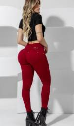 Título do anúncio: Calça Jeans Skinny Cós Mágico Pit Bull. 100% Nova. Com etiqueta.