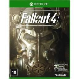 Fallout 4 X box one semi novo.