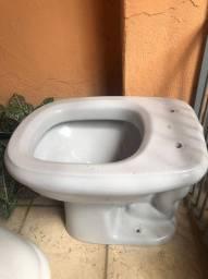 Vaso sanitário cinza