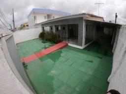 Alugo excelente casa na melhor parte do Janga.