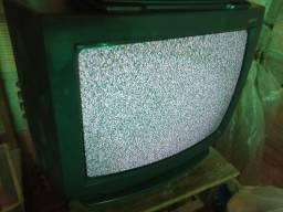 Tv de tubo mediana pra sair rápido