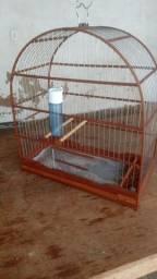 Título do anúncio: Vendo gaiola  de madeira para embora hoje