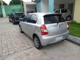 Toyota Etios XS 1.3 completo 2013 - 2013