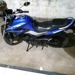 Vendo ou troco por moto menor 150cc - 2015