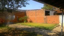 Alugo casa Esplanada