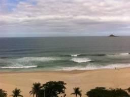 Apartamento de 550m² no prédio mais luxuoso da praia de S. Conrado, frontal mar!