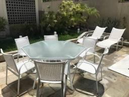 Jogo completo de móveis para área externa / Cadeiras, mesas e espreguiçadeiras
