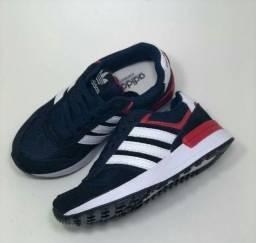 Tênis Adidas infantil número 28 NOVO
