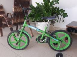 Bicicleta infantil 6anos