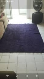 Título do anúncio: Vendo tapete Grande roxo medindo 1.50 por 2.50 por 80,00 reais