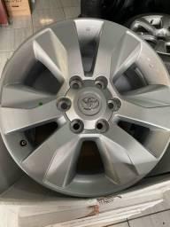 Jogo de rodas originais Toyota Hilux aro 17