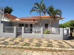 Casa com 4 dormitórios para alugar por R$ 1.800,00/mês - Centro - Vera Cruz/SP