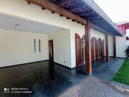 Título do anúncio: Casa tipo sobrado com 4 dormitórios à venda, 313 m² - 4 vagas de garagem - à venda, Colise