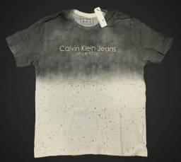 2 camisas Calvin Klein por 50,00