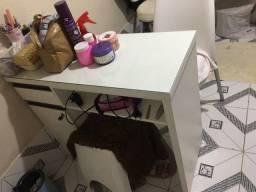 Título do anúncio: Mesa para manicure + Duas cadeiras Tramontina