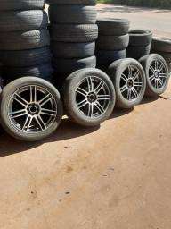 Vendo jogo de aro 17 completo com pneus 93- *