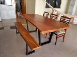 Mesa com banco de madeira maciça 2,00 x 0,98 R$ 2.470,00