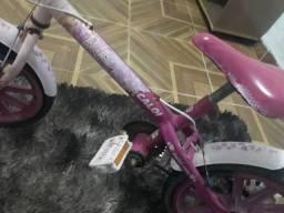 Bicicleta infantil Caloi  por $100 reais