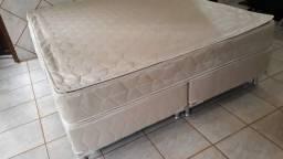 Título do anúncio: Vendo cama box Queen