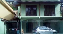 Casa duplex com piscina na Salutaris a 5 min. a pé do Centro