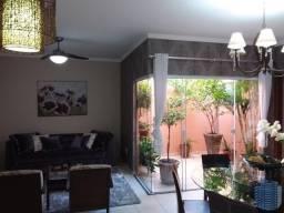 Título do anúncio: Casa para Venda em Bauru, Jd. Ferraz, 3 dormitórios, 1 suíte, 2 banheiros, 2 vagas
