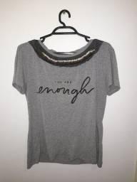 Título do anúncio: T shirt com aplicação