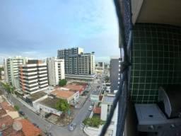 Ótimo Apartamento Nascente na Ponta Verde à poucos metros do mar.