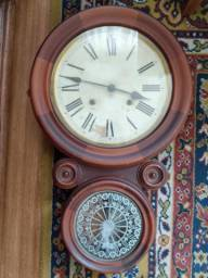 Relógio de parede carrilhão antigo