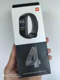 Xiaomi Pulseira Miband 4 Lacrada na caixa