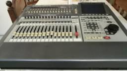 Mesa e gravador VS-2480 Roland
