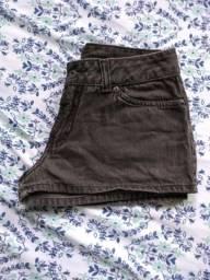 Shortinho jeans preto da zoomp