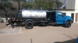 Vendo um caminhão espagedor - 2000