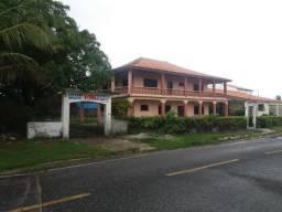 Casa na Avenida Mira Mar, proximo a Orla do Maçarico com 4 quartos e 2 suites