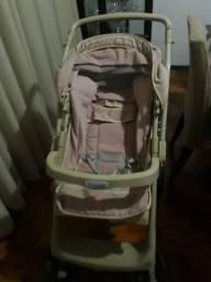 Carrinho de bebê rosa