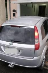 Fiesta Hatch 1.6 - Completo(-ar) - 2004 - 2004