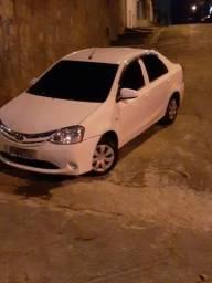 Etios sedan x - 2015