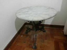 2 peças em bronze com marmore