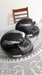 2 capacetes