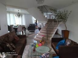 Casa espaçosa no Manoel Valinhas