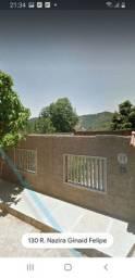 Vendo um terreno com uma casa no monte Cristo a um KM do Perim center. Com   3 cômodo.