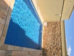 Título do anúncio: Casa confortável, localizada na região nobre em Jau-SP, para aluguel e venda