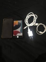 Título do anúncio: iPhone 7 red 128gb - leia o anúncio