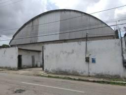 Galpão a Venda na Pajuçara - 880m² de área