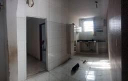 Título do anúncio: Casa 4/4 e 250 metros de espaço em Itapuã - Aluguel