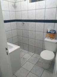 Alugo casa no Abraão Alab por R$1.200,00