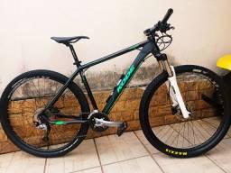 Bike kode 27 velocidades Shimano acera e freios hidráulicos