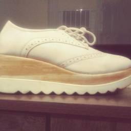Título do anúncio: Sapatos 39
