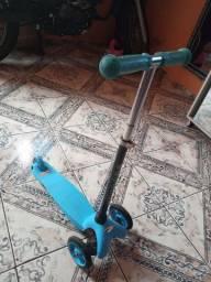 Patinete azul