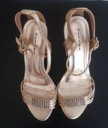 Título do anúncio: Sandália Salto Cor Ouro Velho e Cinto Preto