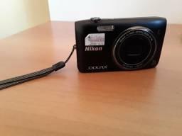 Camera Coolpix S3500